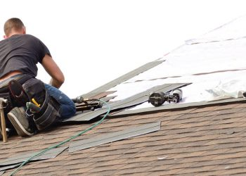 Roofer on Roof in Chester